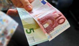 15 Euro / Geld / Geldschein [Foto: Dieter Menne Datum: 08.08.2013]