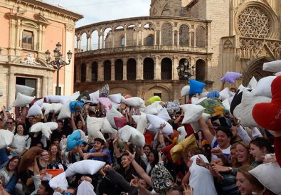 Битва подушками Валенсия